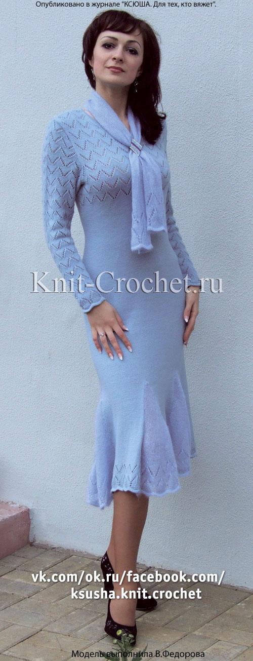 Связанное на спицах женское платье удлиненное 48-50 размера.