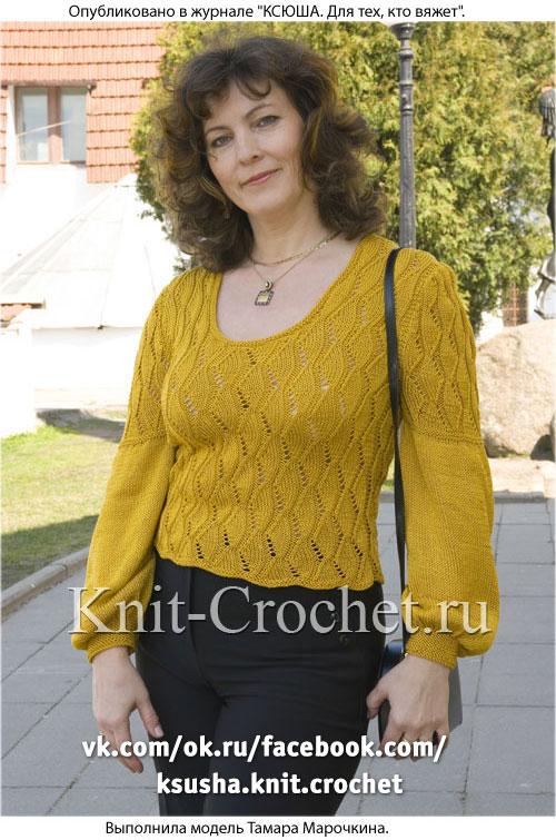 Женский пуловер с расширенными рукавами размера 48-50, связанный на спицах.