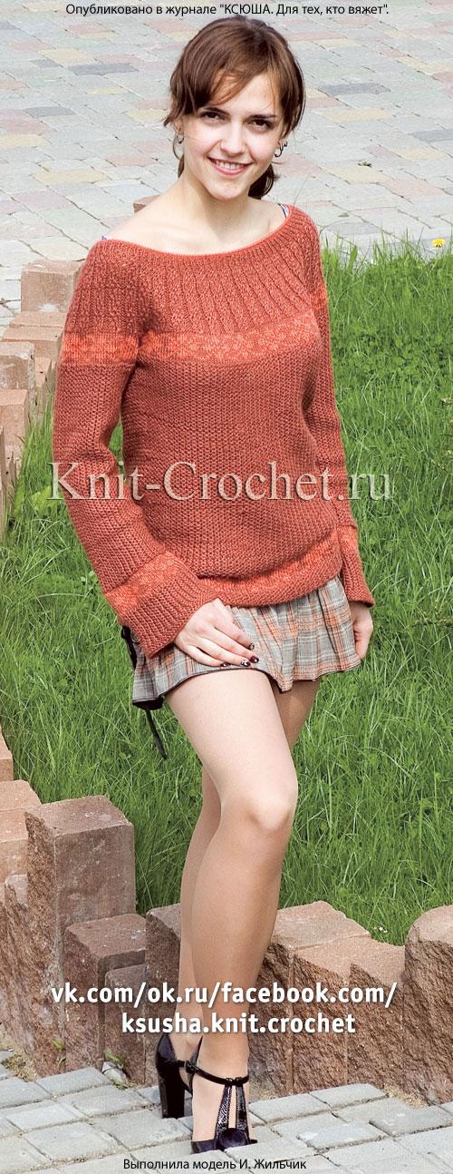 Женский пуловер с круглой кокеткой размера 44-46, связанный на спицах.