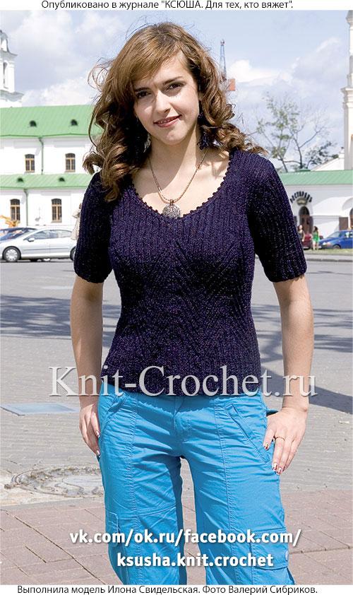 Женский пуловер с короткими рукавами размера 44-46, связанный на спицах.