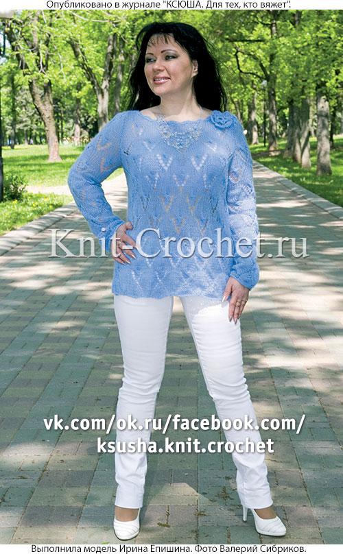 Женский ажурный пуловер размера 48-50, связанный на спицах.