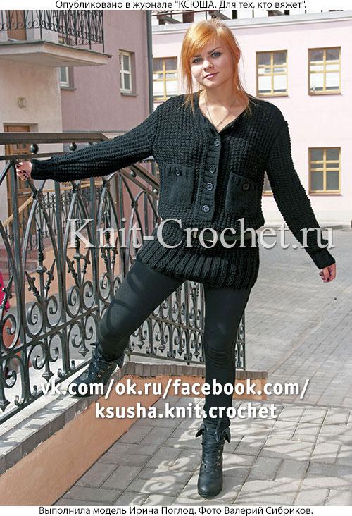 Женский пуловер поло размера 44-46, связанный на спицах.