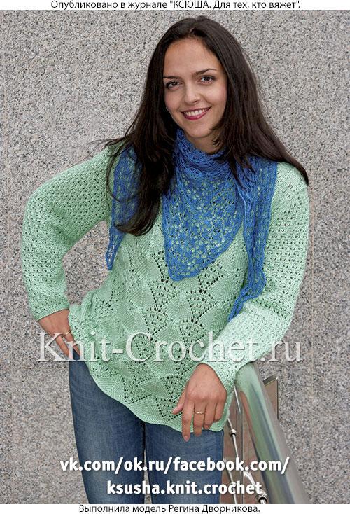 Женский пуловер размера 52-54, связанный на спицах.