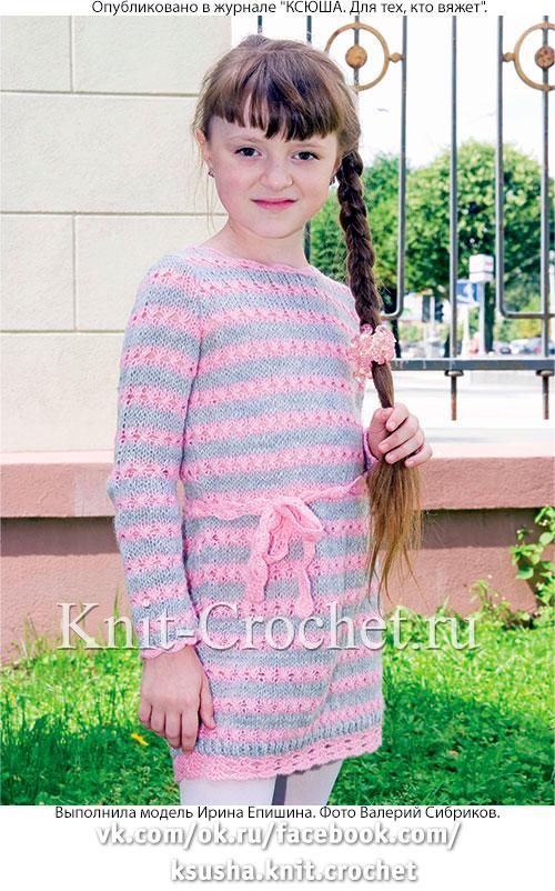 Платье с ажурными дорожками для девочки на рост 135-140 см, вязанное на спицах.