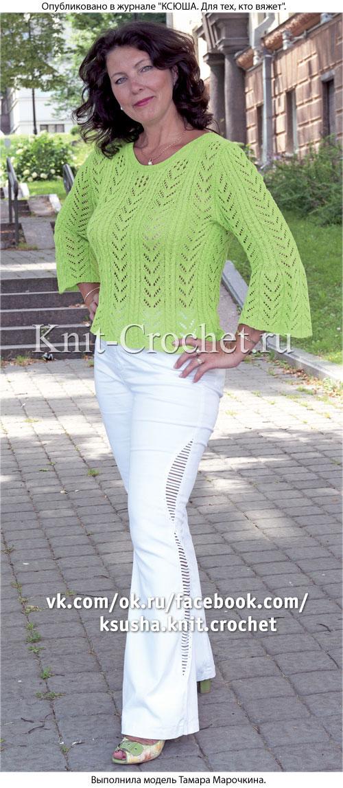 Женский пуловер цвета свежей зелени размера 50-52, связанный на спицах.