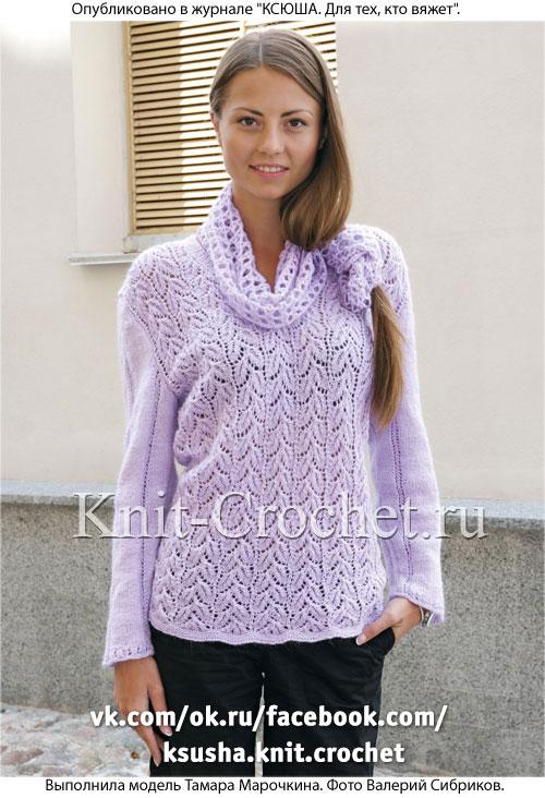 Женский пуловер размера 52-54 и снуд, связанные на спицах.