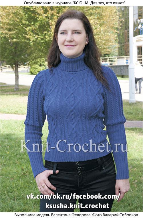 Связанный на спицах женский свитер размера 44-46.