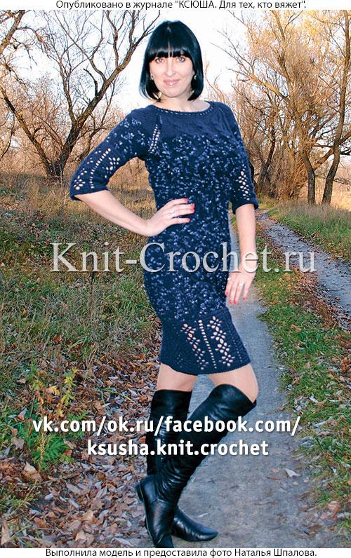 Связанное на спицах платье-туника 46-48 размера.