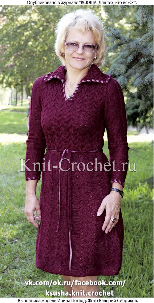 Связанное на спицах женское платье с воротником поло 44-46 размера.