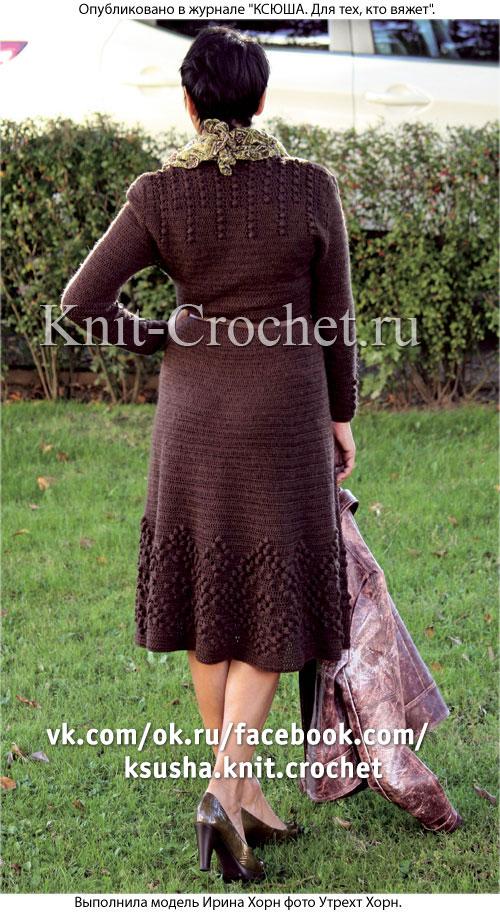 Связанное крючком платье с расклешенной юбкой 44-46 размера.