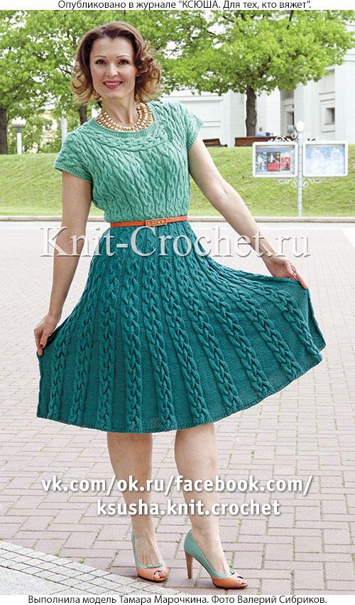Связанное на спицах платье бирюза 2-х цветов 46-48 размера.