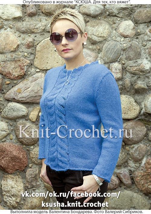 Женский пуловер размера 42-44, связанный на спицах.