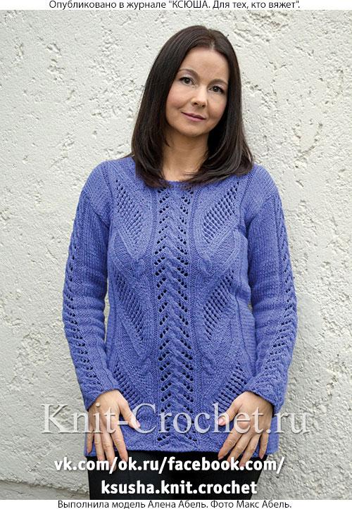 Женский удлиненный пуловер размера 46-48, связанный на спицах.